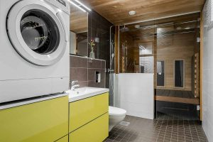 Kylpyhuone infrapunasaunalla